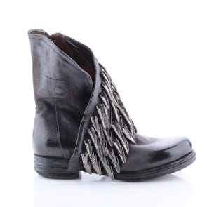 BLACK BOOT WITH METAL FEATHER DETAIL - SAMPLE SALE SIZE 37 - FINAL SALE