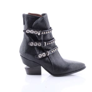 BLACK TEXTURED NOTCH HEEL POINTED TOE BOOT - SAMPLE SALE SIZE 37 - FINAL SALE