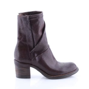 BROWN TEXTURED HEELED BOOT - SAMPLE SALE SIZE 37 - FINAL SALE
