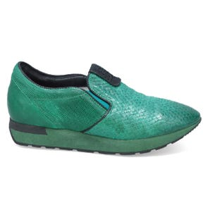 GREEN TEXTURED SNEAKER - SAMPLE SALE SIZE 37 - FINAL SALE